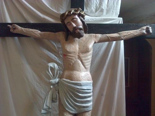 Christ de l'église St Martin Sury.jpg